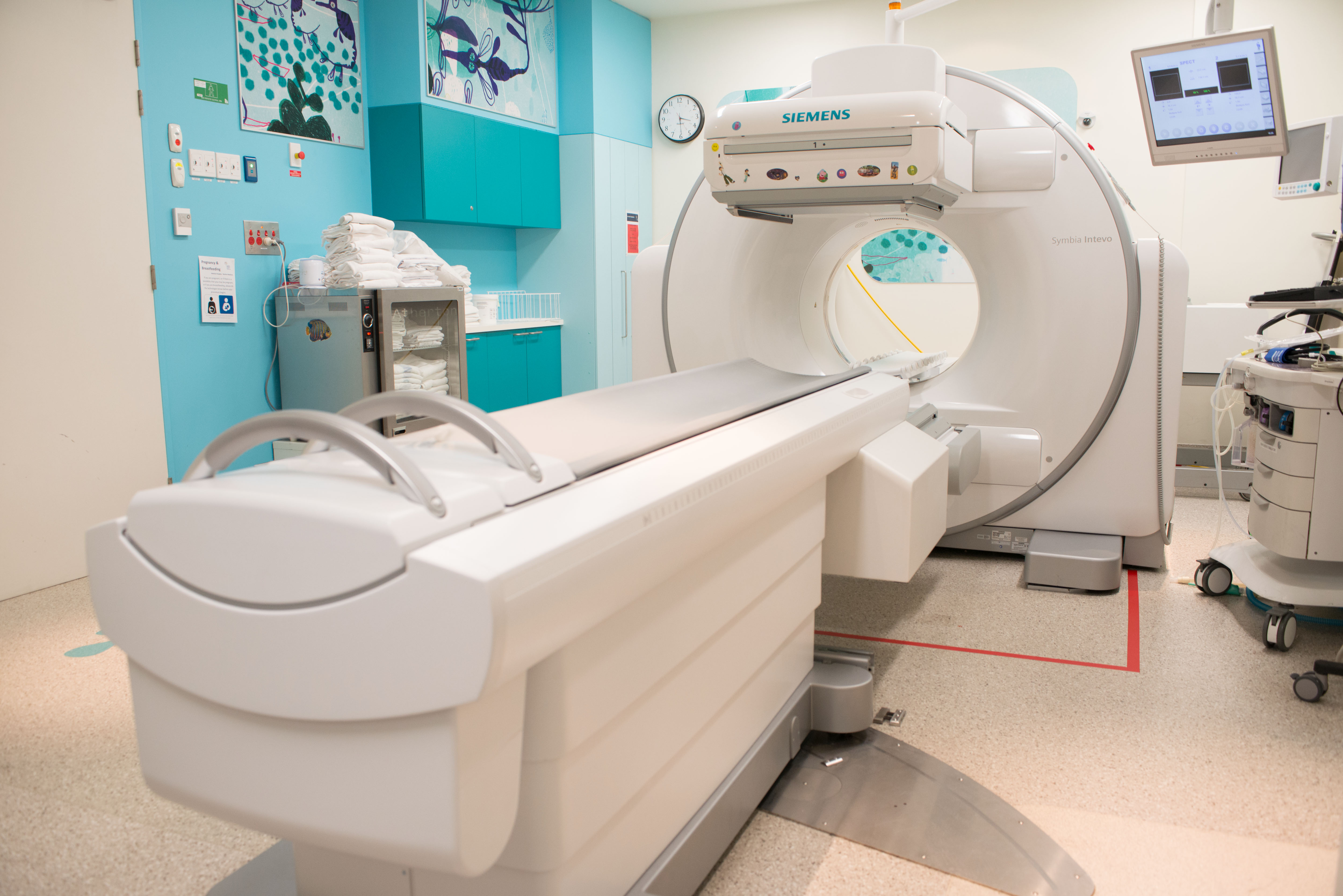 SPECT CT machine